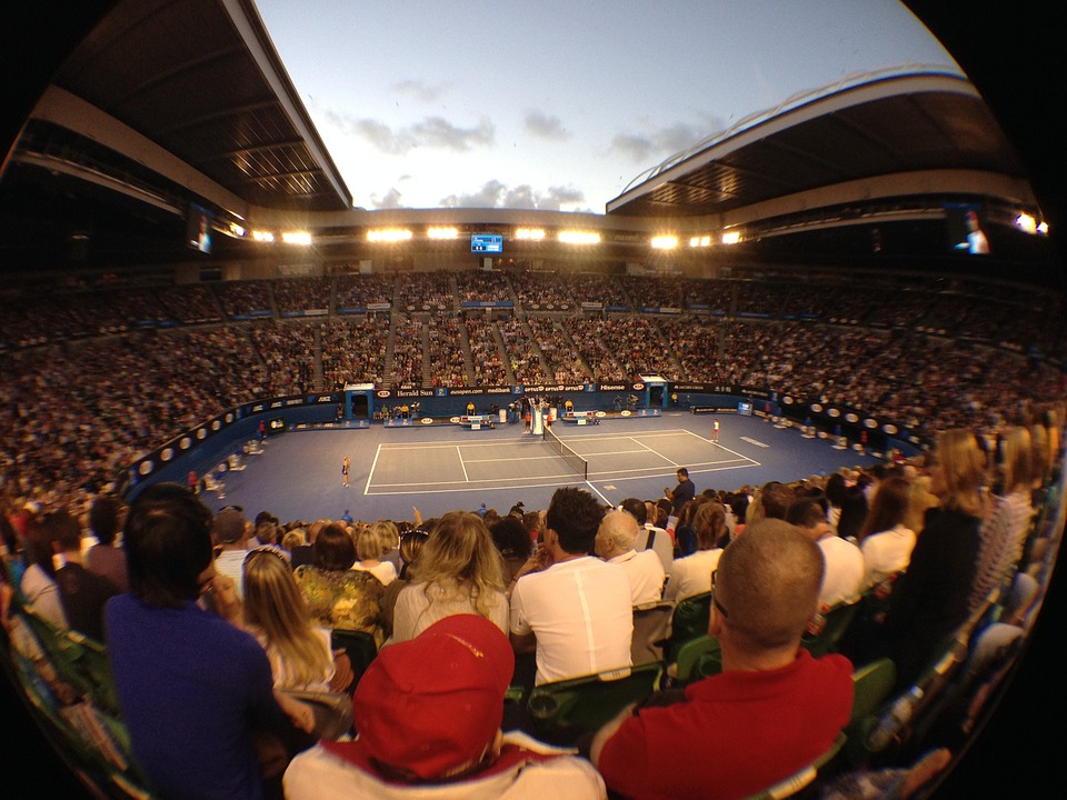 people watching tennis - 4 Tennis Betting Tips to Increase Winning